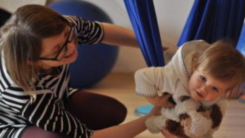 14 ważnych powodów dla których należy kołysać i huśtać dzieci