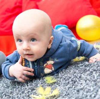 Integracja sensoryczna dla maluszków- czyli  jak wspierać rozwój sensomotoryczny niemowląt.