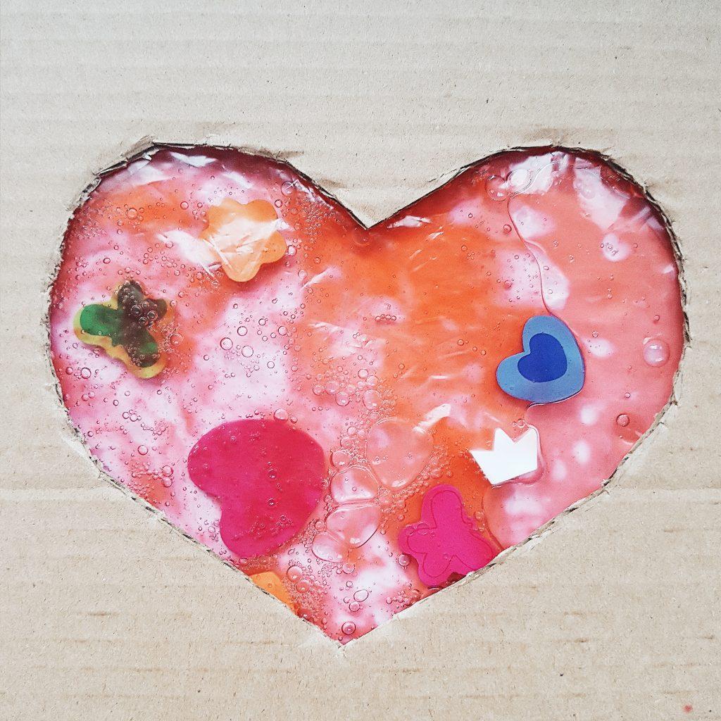 Sensozabawy na Walentynki - żelowe serce
