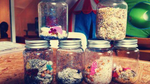 Domowe instrumenty – buteleczki wzrokowo-dźwiękowe DIY